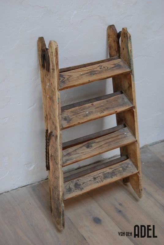 Houten trapje badkamer landelijke badkamer meubel ikea ps collectie 2014 blog - Houten trapontwerp ...