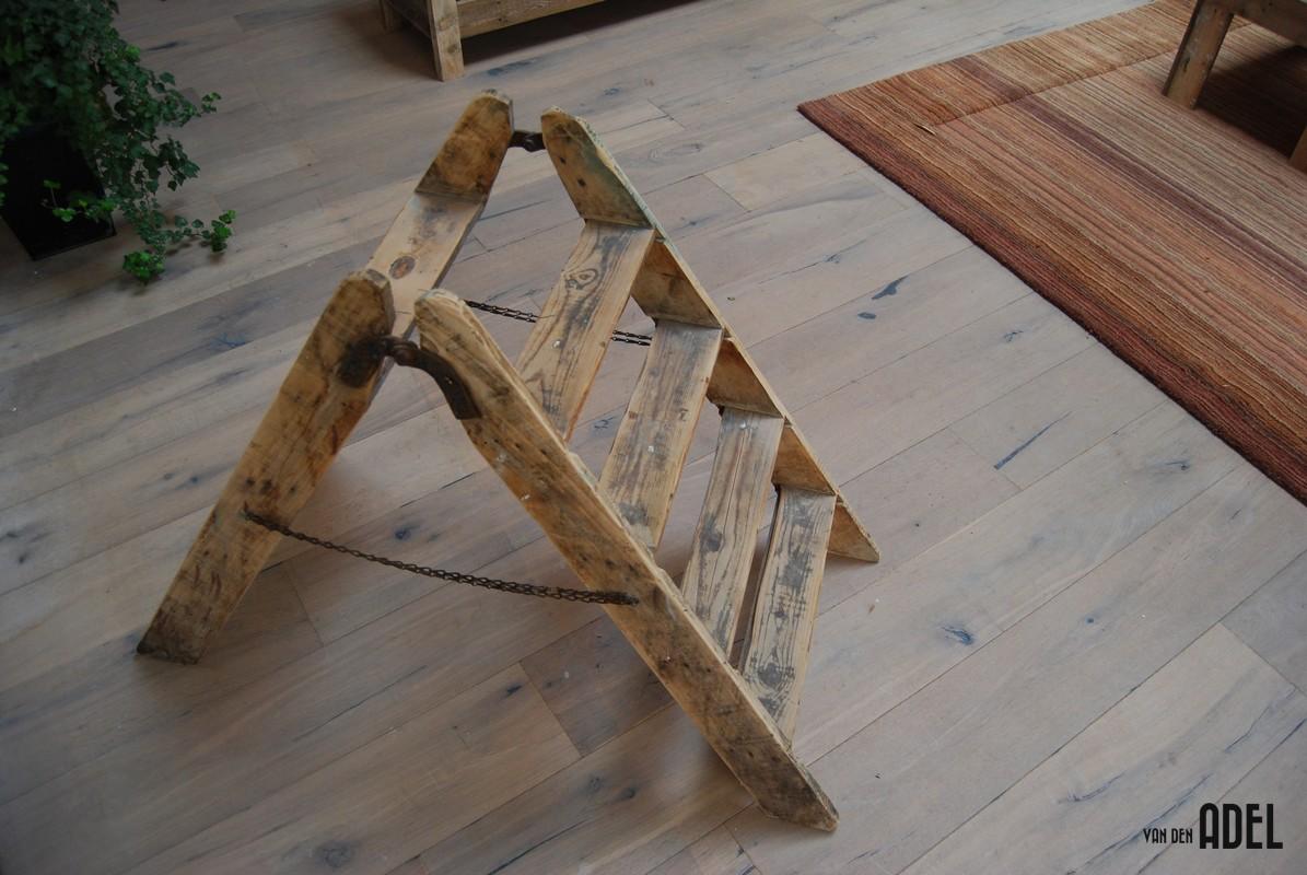 1195 x - Trap ijzer smeden en hout ...