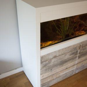 verrijdbaar aquarium ombouw met deurtjes en luikje1