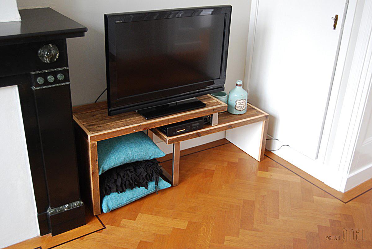 Tv meubel naar eigen idee prijs op aanvraag van den for Webshop meubels