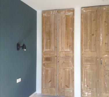 Garderobekasten voorzien van 6 oude geloogde deuren 01