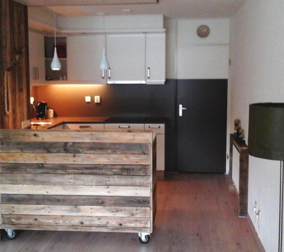 Keukenhoek sloophout met verrijdbaar keukenblok 3