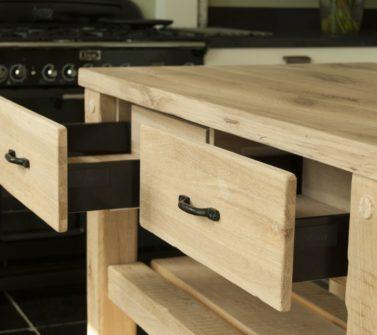 Werktafel keuken massief eiken verouderd incl softclose laden kruispoot 09