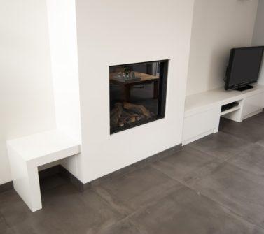 Wit strak tv meubel op maat met dik bovenblad incl push-to-open laden 03